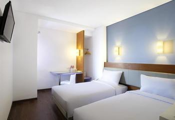 Amaris Pasar Baru Jakarta - Smart Room Twin Staycation Offer Regular Plan