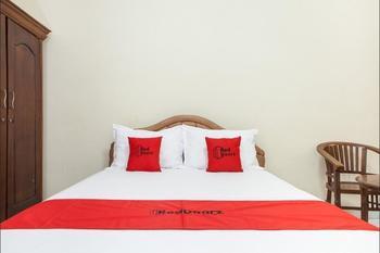 RedDoorz @ Raya Ngagel 3 Surabaya - RedDoorz Room Regular Plan