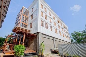 Cendrawasih Bambulogy Mansion