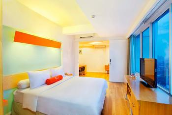 HARRIS FX Sudirman - Harris Suites Room with Breakfast Regular Plan