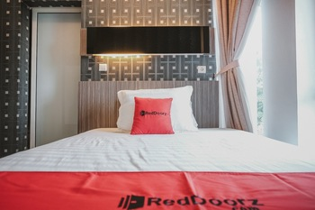 RedDoorz @ Jamin Ginting Medan Medan - RedDoorz Room Basic Deal