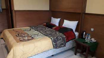 Cemara Indah Hotel Probolinggo - Standard Double Room Regular Plan