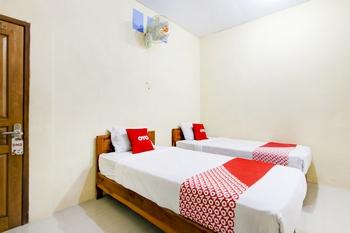 OYO 3500 D'chandra Family Syariah Lamongan - Standard Twin Room Regular Plan