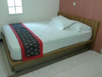 Rumah Tawa Guesthouse - 2 Bandung - Kamar Standard Double Regular Plan