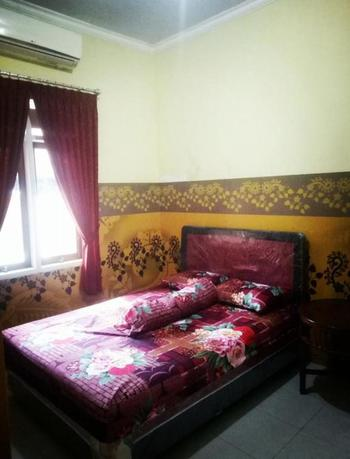 Nakula's Homestay Banyuwangi - Deluxe Room Regular Plan