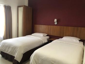 Hotel Kenari Pantai Makassar - Superior Room Breakfast FC Special Deal