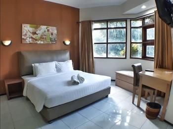 The Batu Villas II Malang - 2 Bedroom Villa No 2 Room Only Regular Plan