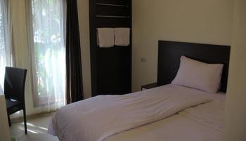 Kampoeng Nelayan Hotel Palu - Deluxe King Sea View Regular Plan