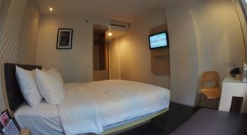 M Hotel  Jakarta - Deluxe Room With Breakfast Regular Plan