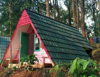 Puncak Langit Glamping Puncak - Pinus Outside Bathroom Weekend Promo