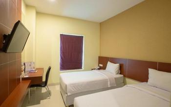 Hotel Raising Makassar Makassar - Silver Room Regular Plan
