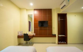 Hotel Raising Makassar Makassar - Gold Room Only Regular Plan