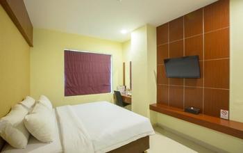 Hotel Raising Makassar Makassar - Platinum Room + Free Snack Regular Plan