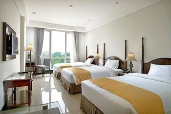 The Sahira Hotel Bogor - Deluxe Family Triple Room Only WEEKDAYS PROMO 2018