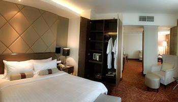 Hotel Menara Peninsula Jakarta - Executive Club Studio Min Stay 2 Nights