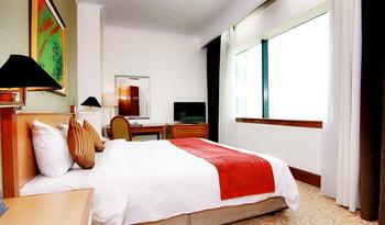 Hotel Menara Peninsula Jakarta - Junior Suite With Breakfast Flash Deal