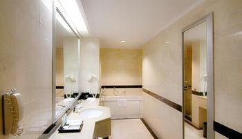 Hotel Menara Peninsula Jakarta - Junior Suite Room with Breakfast Min Stay 2 Nights