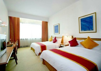 Hotel Menara Peninsula Jakarta - Deluxe Room With Breakfast Basic Deal