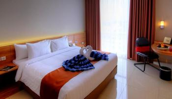Horison Hotel Jababeka - Deluxe Queen Room Only Regular Plan