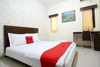 RedDoorz Swakarya Kaliurang - RedDoorz Room with Breakfast Regular Plan