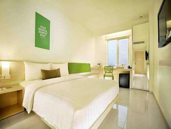Zuri Express Lippo CIkarang - Business Twin Room Regular Plan
