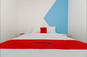 RedDoorz Plus @ Catania Soma Rajawali Palembang - RedDoorz Room with Breakfast Last Minute
