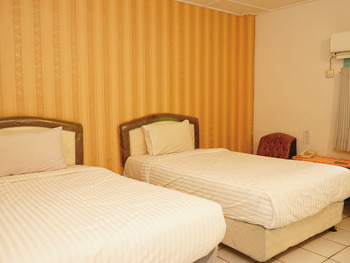 Hotel Martani Belitung - Deluxe Twin Room Regular Plan