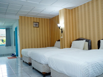 Hotel Martani Belitung - Suite Triple Room Regular Plan