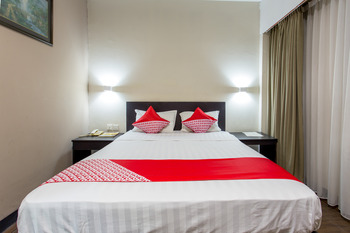 Capital O 769 City Hotel Balikpapan - Standard Double Room Regular Plan