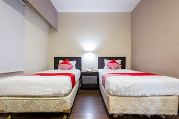 Capital O 769 City Hotel Balikpapan - Standard Twin Room Regular Plan