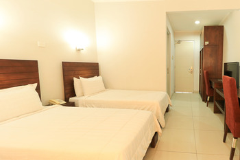 GreenSA Inn Surabaya - Twin Room - Room Only Basic Deal 40%