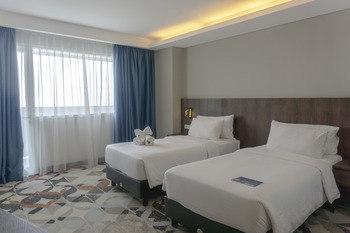 Golden Tulip Springhill Lampung Bandar Lampung - Deluxe Twin Sea View Room Only Special Deals