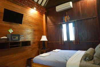 Wisma Pulau Merah Banyuwangi - Standard Room with Garden View Basic Deal Promotion