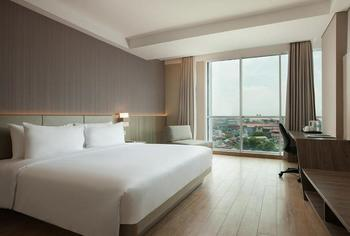 Hotel Santika Premiere Bandara Palembang - Deluxe King Room Lake View Ramadhan Offer Regular Plan