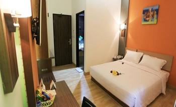 De' Nearby Hotel Manado - Superior Room Regular Plan