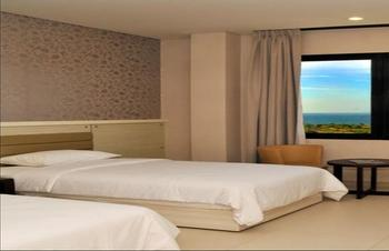 T-MORE Hotel & Lounge Kupang - Superior Twin Regular Plan