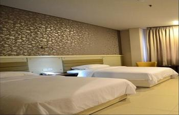 T-MORE Hotel & Lounge Kupang - Deluxe Twin Regular Plan