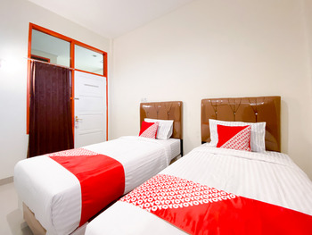 OYO 3092 Falah Residence Syariah Padang - Standard Twin Room Promotion