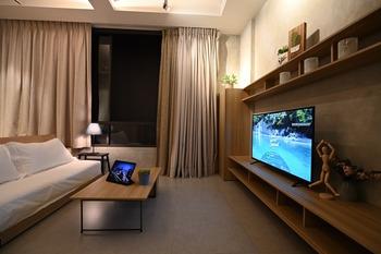 Nostoi Jakarta - Modoru Plus Suite Corner Wardrobe Regular Plan