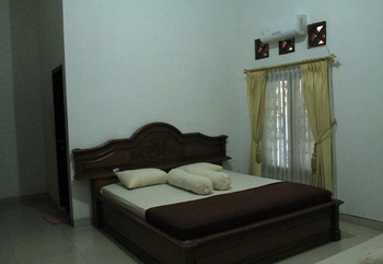 Rumah Singgah Nyaman Di Buahbatu Bandung Bandung - 6 Bedroom Room Only Regular Plan