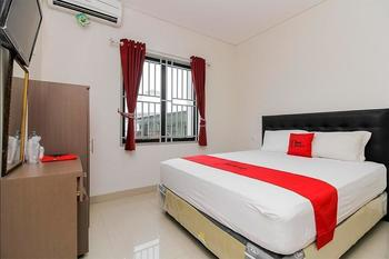 RedDoorz @ Kampung Bintang Bangka - RedDoorz Room Regular Plan
