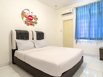 OYO Life 2843 Raz House Syariah Medan - Deluxe Double Room Regular Plan