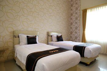 OYO 1616 Hotel Central City 2 Belitung - Deluxe Twin Room Regular Plan