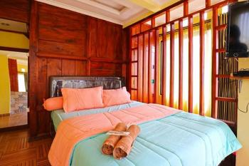 Suka Rasa Endah Cottage Bandung - Deluxe Double Room  Minimum Stay 3Ns - 42%