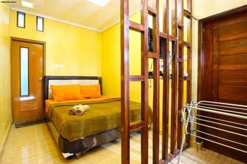 Suka Rasa Endah Cottage Bandung - Double Room  Minimum Stay 3Ns - 42%