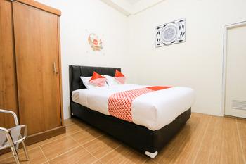 OYO 2614 Demasto Homestay Jember - Standard Double Room Regular Plan