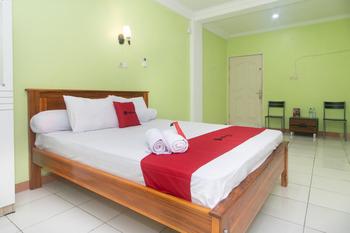 RedDoorz @ Frans Seda Kupang Kupang - RedDoorz Room Last Minute