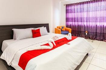 RedDoorz @ Jalan Sei Mencirim Medan Medan - RedDoorz Room Regular Plan