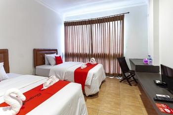 RedDoorz @ Jalan Sei Mencirim Medan Medan - RedDoorz Twin Room Regular Plan