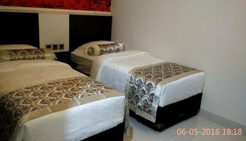 Malang City Boulevard Homestay Klojen - Executive Double/Twin Room with Breakfast Regular Plan